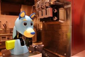 ソフトクリーム調理ロボット